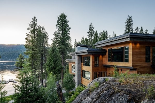 This Modern Cliff House Seamlessly Knits Into a Rocky Idaho Lakefront