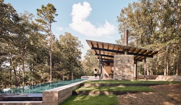 One Family's Weekend Retreat in East Texas Lets Them Practically Live Outside