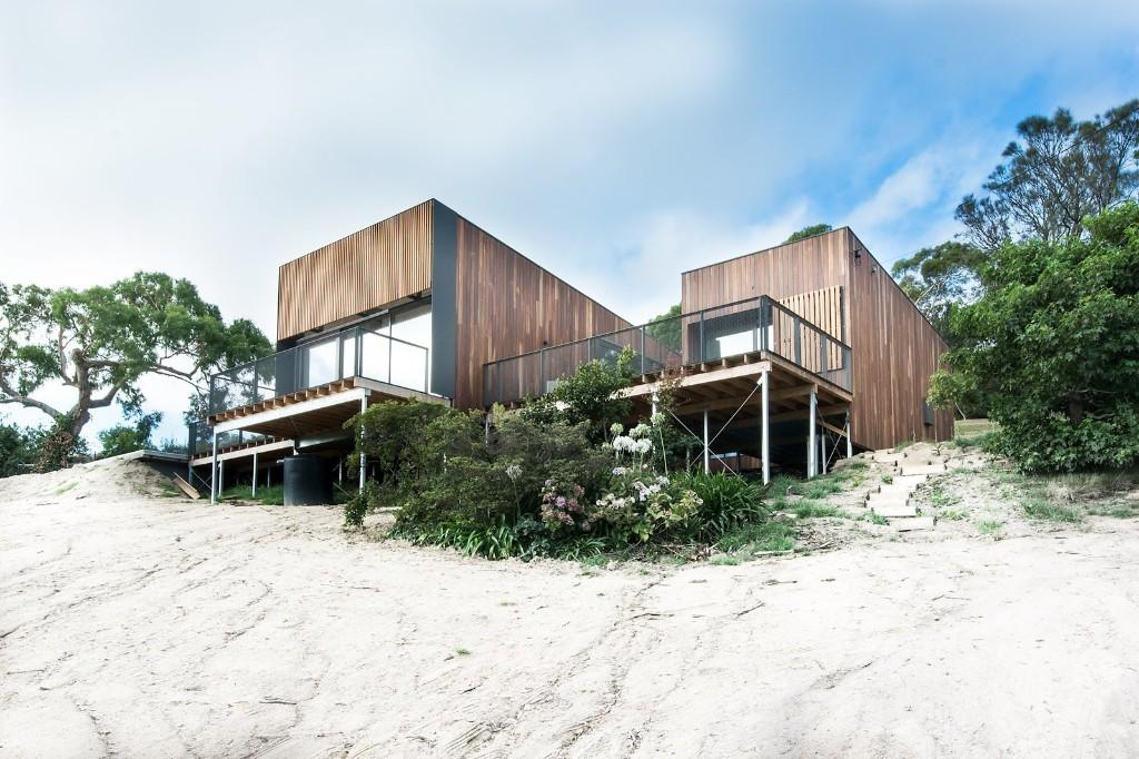 An Australian Beach Home with Stunning Ocean Views