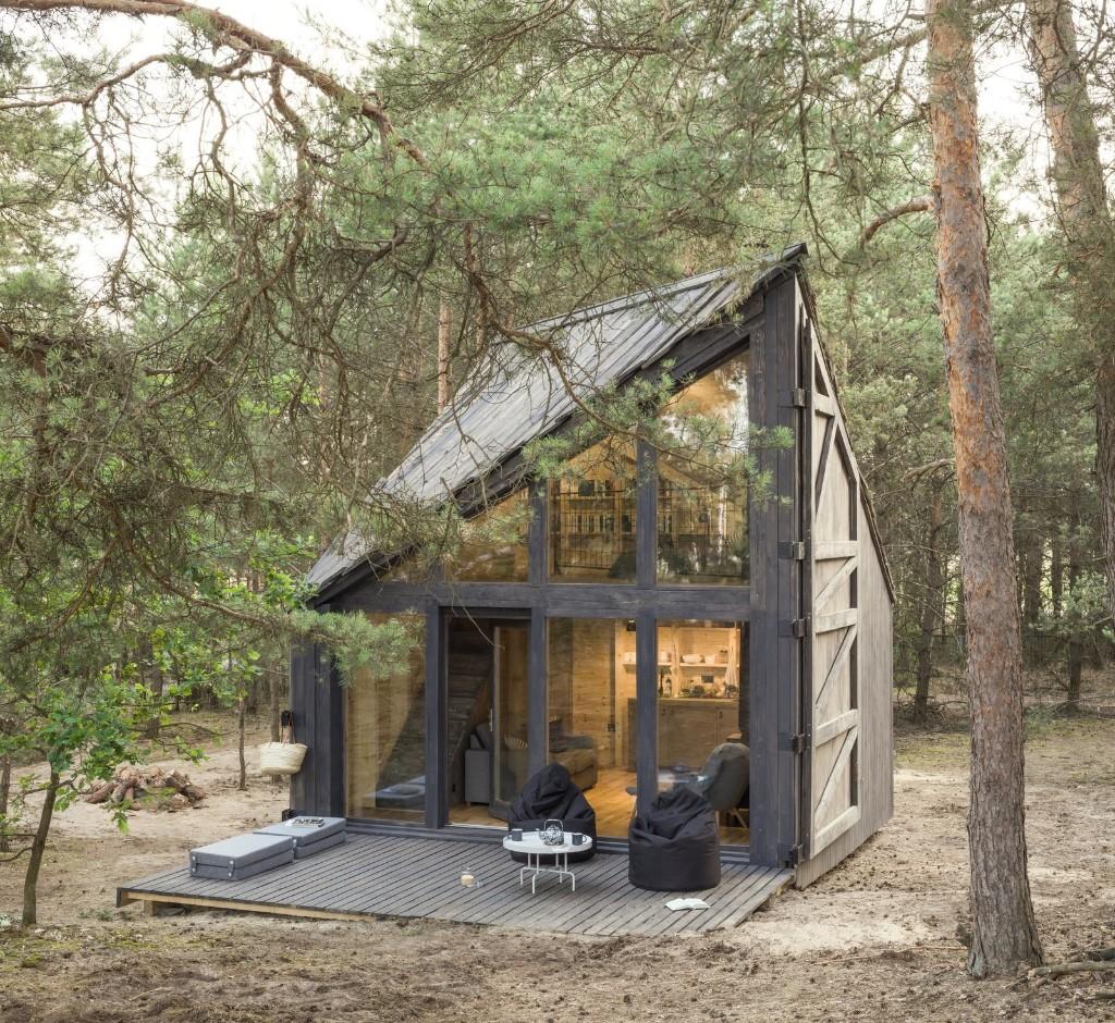 Bookworm Cabin by POLE Architekci