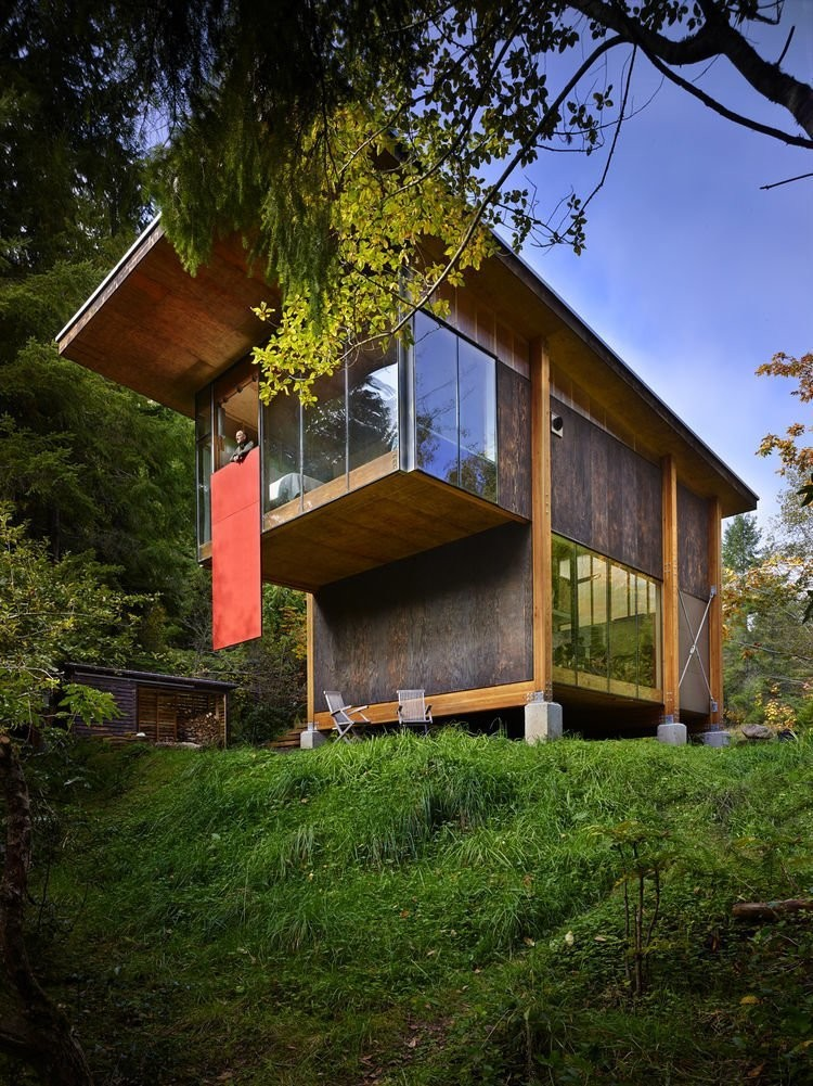 Scavenger Studio Modern Home in Washington