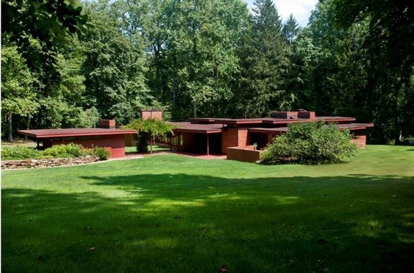 New Jersey's Oldest and Largest Frank Lloyd Wright House Cuts Price to $1.45M