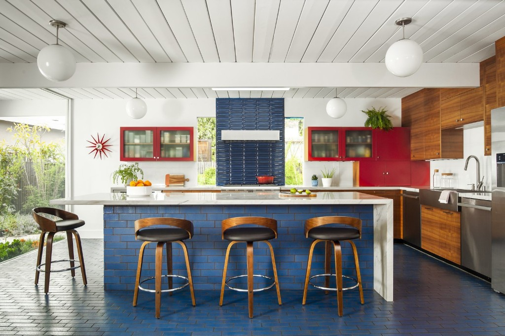Before & After: Bollywood Eichler by Re:modern
