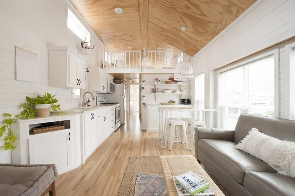 An 860-Square-Foot Tiny Home Becomes a Summer Haven For a Family of Five