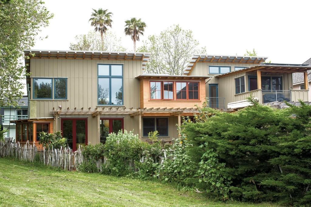 Green Zero-Energy Family Home in Santa Cruz