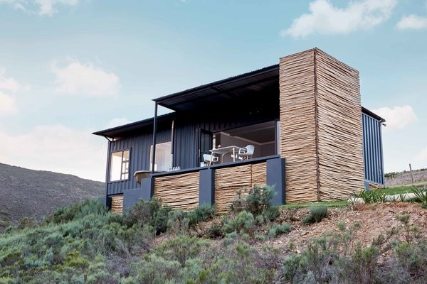 Take in the South African Countryside in This Shipping Container Eco-Cabin