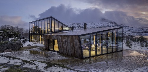 Efjord Cabin by Snorre Stinessen