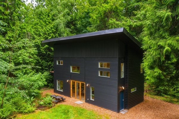 Grab This Custom-Built Island Home in Northwest Washington For $513K