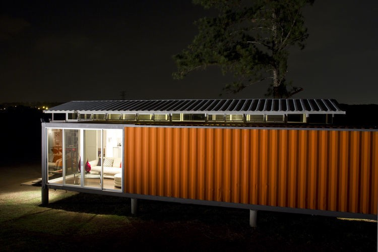 Shipping container house - Magazine cover