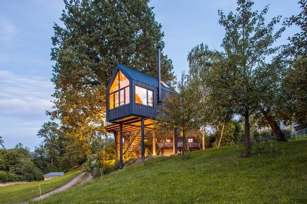 This Prefab Tree House Took Just 8 Days to Assemble