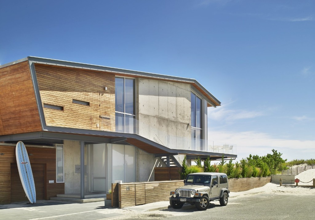 Beach House on Long Island by West Chin Architects