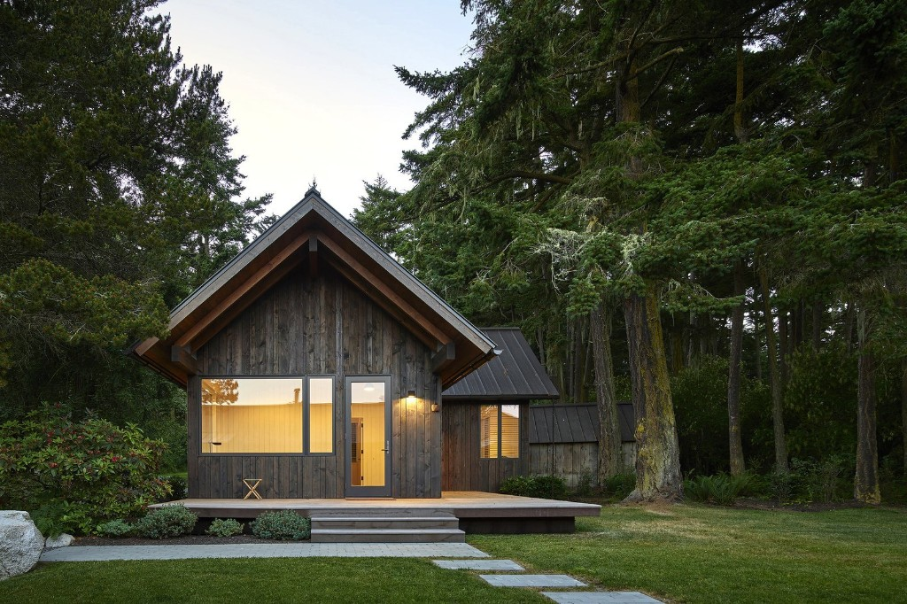 Articles about 5 cozy hearths on Dwell.com