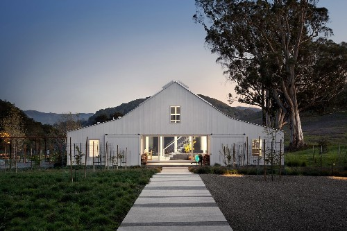 Hupomone Ranch Modern Home in Petaluma, California by Turnbull…