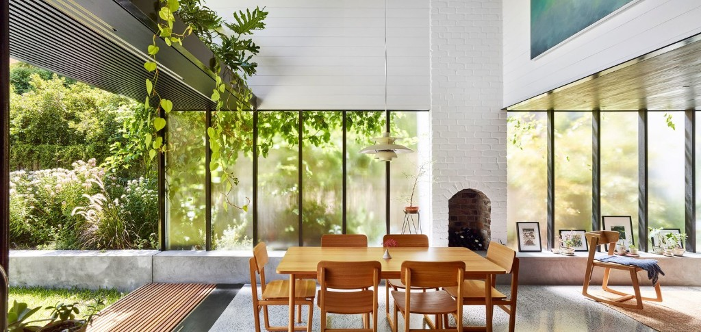 Terrarium House by John Ellway