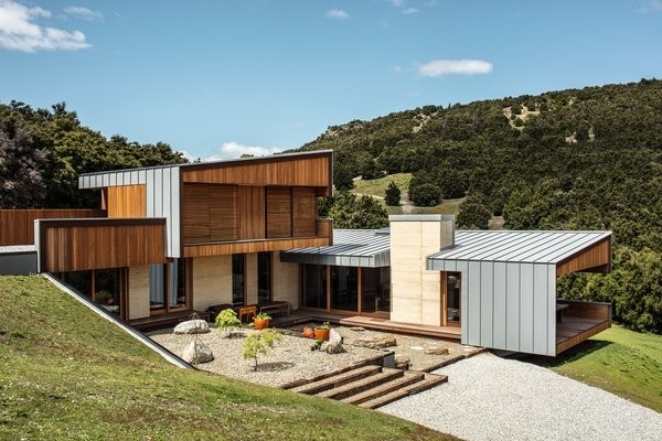 11 Glorious Rammed-Earth Homes That Celebrate the Landscape