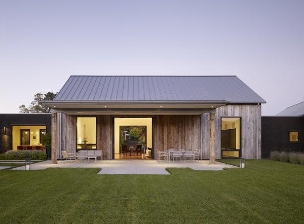 This Barn-Like Oasis Nails Rustic Modern Living