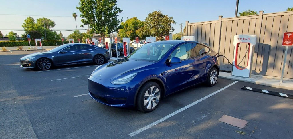 Tesla starts trial production of Model Y Long Range Rear-Wheel-Drive - Electrek