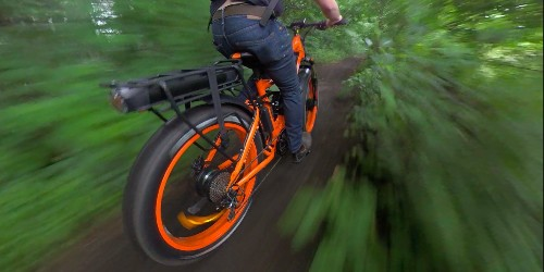 Super Monarch e-bike hits 30 mph with 2 batteries, AWD, and full suspension