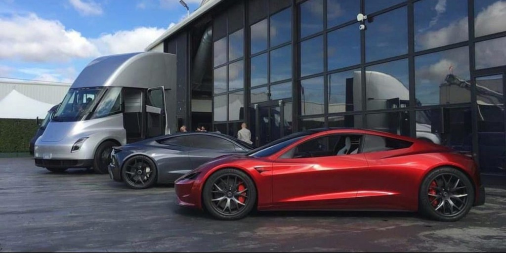 Elon Musk on Tesla Roadster's SpaceX package: 'It's like full-on James Bond' - Electrek