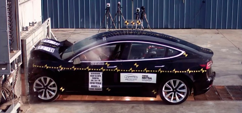 Tesla: Model 3 - cover