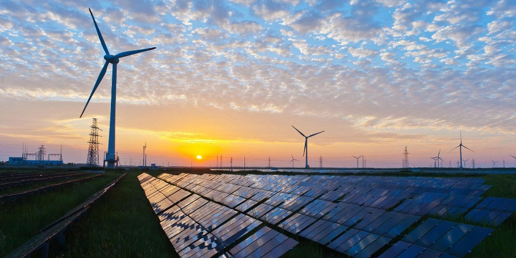 US renewable capacity surpasses coal for the first time despite Trump's promises, gap due to widen - Electrek