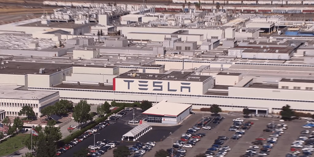 Tesla says fewer than 10 employees contracted COVID-19 at work in rosy employee email - Electrek