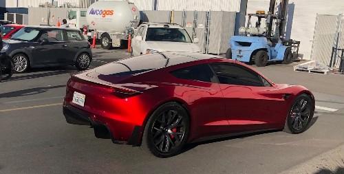 Tesla wants new Roadster supercar to break Nürburgring record next year