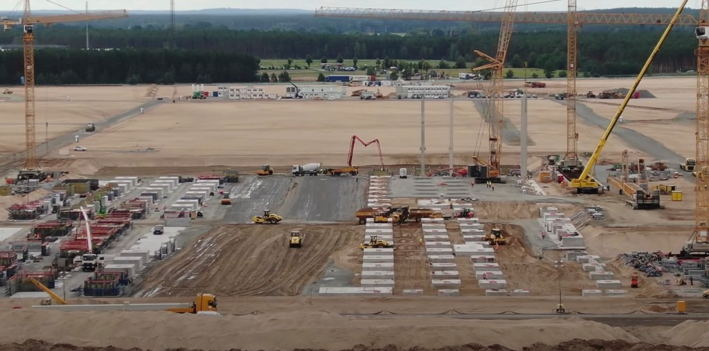 Tesla changes Gigafactory Berlin plans, removes battery production, adds test track, and more - Electrek