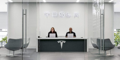 Tesla's hiring effort increases 33%, mostly for service and software