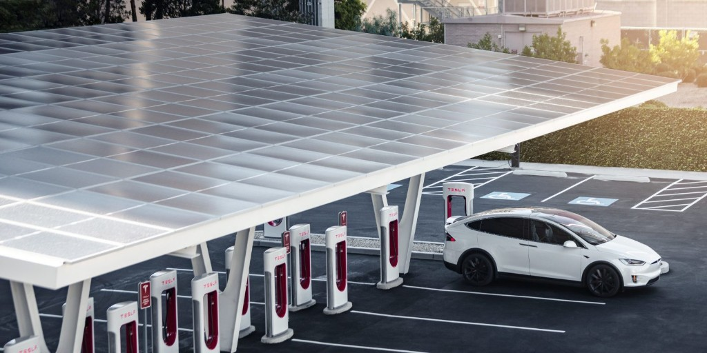 Tesla is planning new monster Supercharger V3 station to connect LA and Phoenix - Electrek