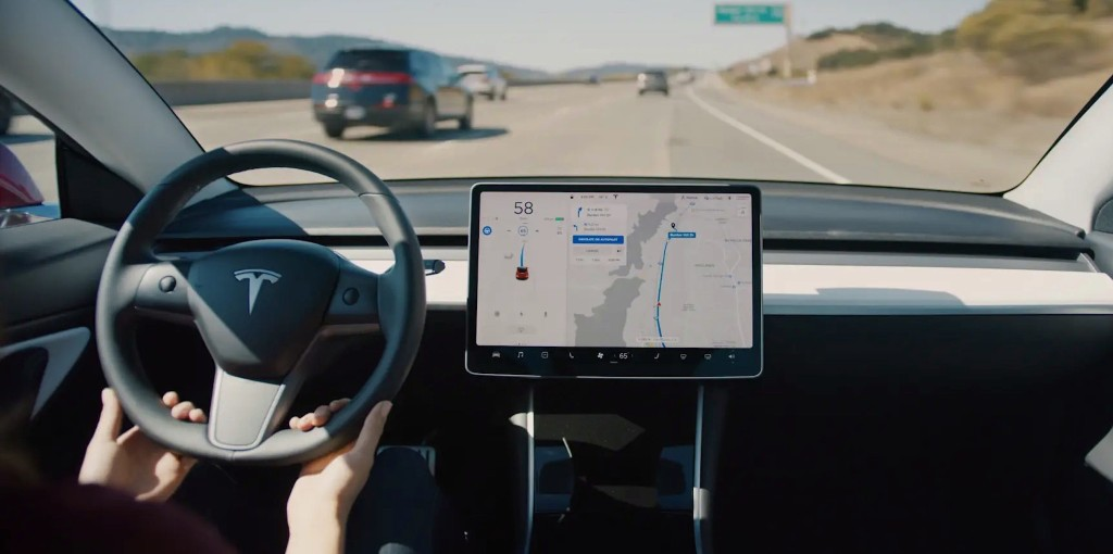 Tesla releases new Autopilot accident data report showing slight improvement - Electrek