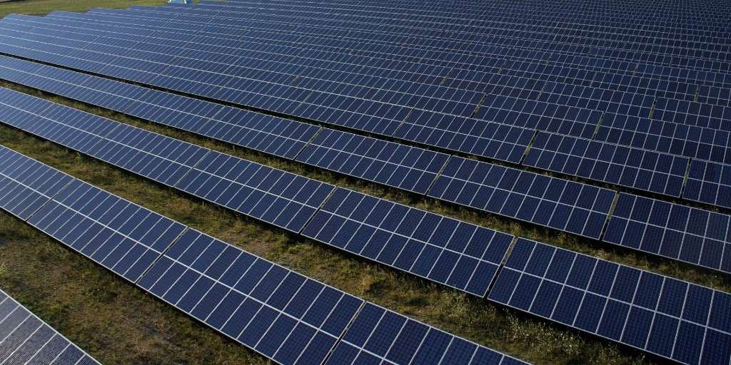 Texas will host the largest solar project in the US - Electrek