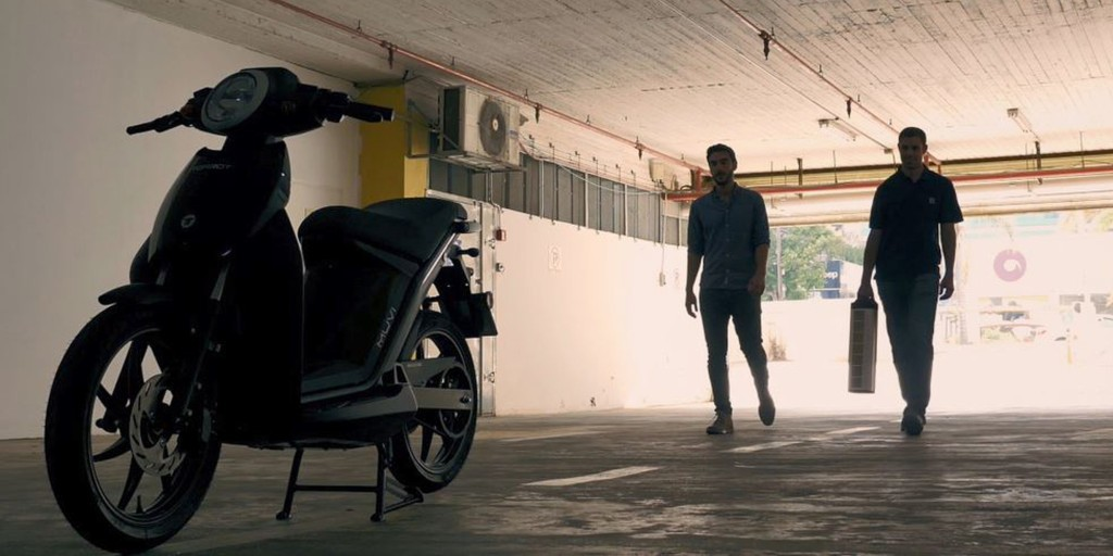 Electric scooter recharges in 5 minutes with StoreDot's new battery tech