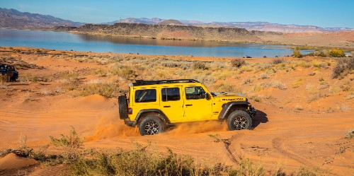 Jeep president says Wrangler EV will go 0-60 in 6 seconds, beating combustion models - Electrek