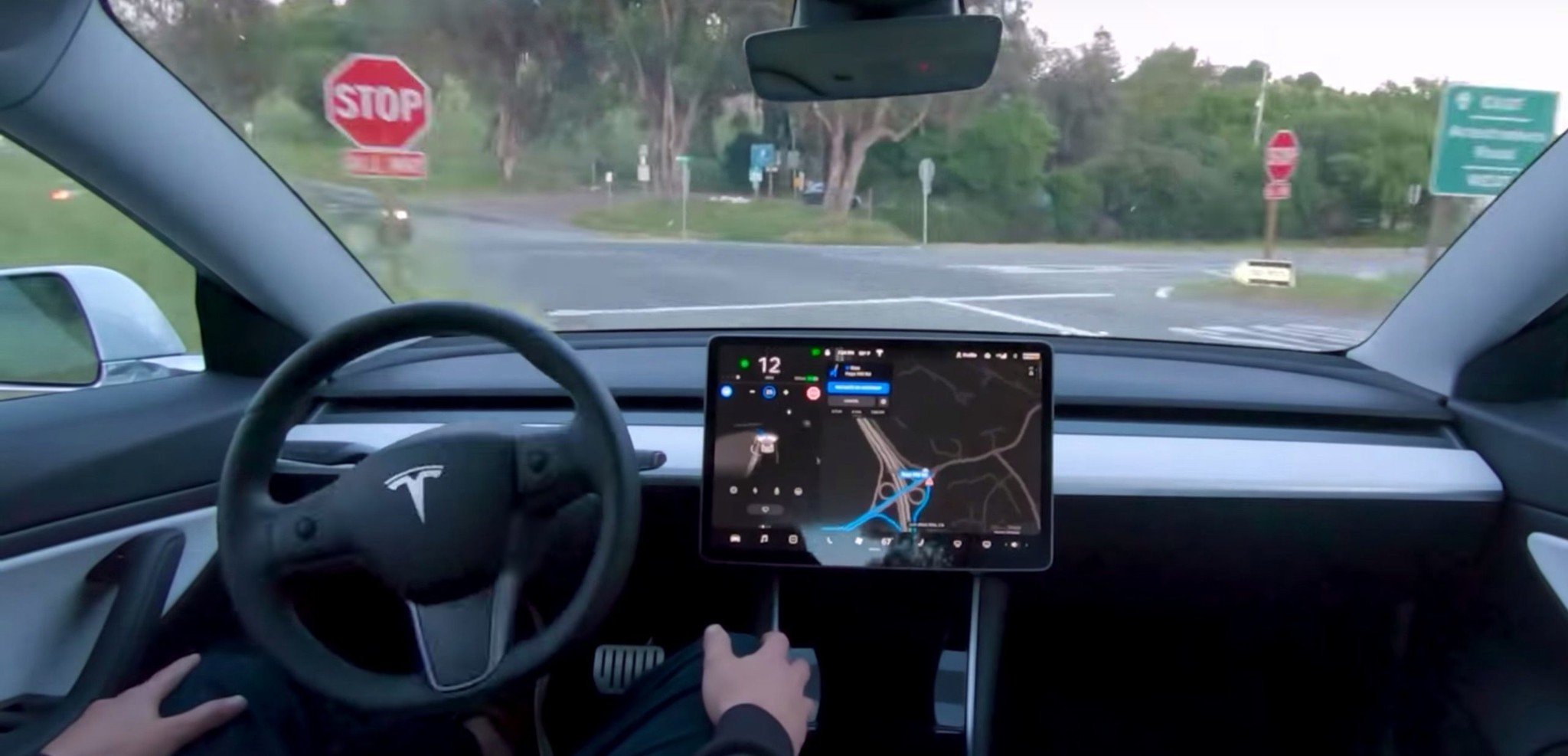 Tesla starts Full Self-Driving Beta rollout, Elon Musk says it 'will be extremely slow and cautious' - Electrek