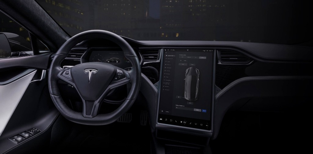 Tesla brings back radio (yes, radio!) for $500 with infotainment retrofit - Electrek