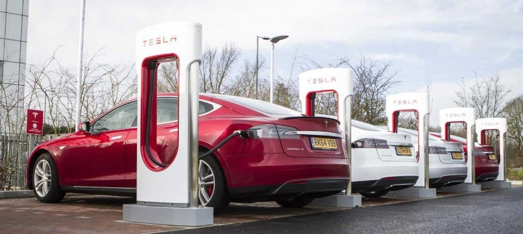 Elon Musk: Tesla is speeding up production and installations of Supercharger V3 - Electrek