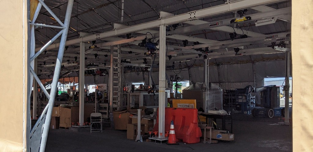 Tesla prepares production increase at Fremont factory, builds new parallel line under tent - Electrek