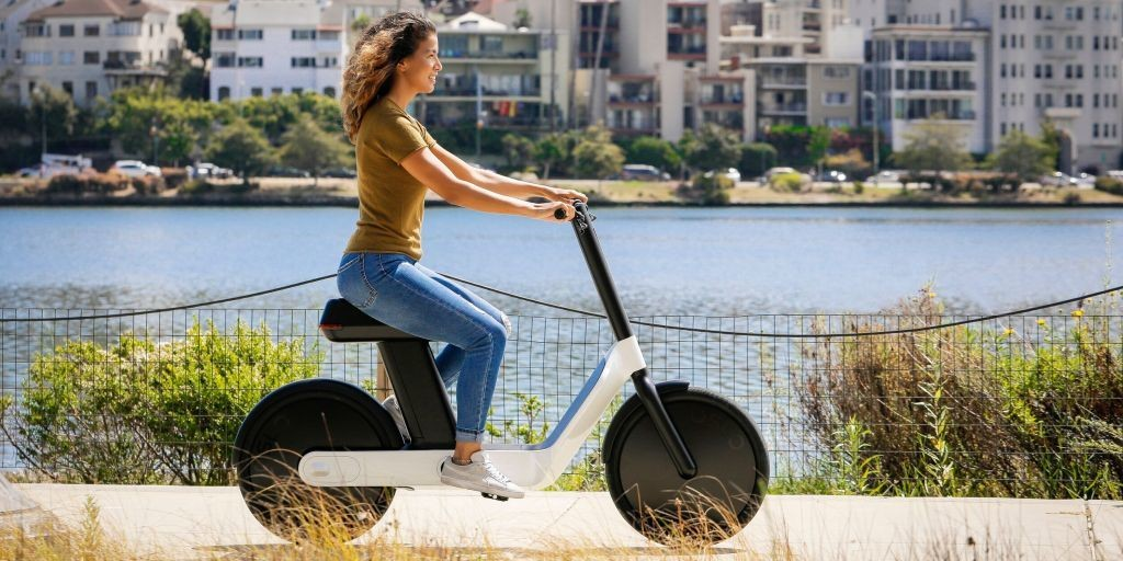 Karmic OSLO is a shiny new $1,499 electric moped