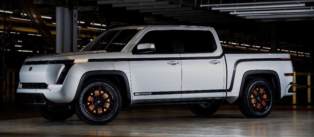 Electric pickup truck maker Lordstown Motors announces deal to go public at $1.6 billion - Electrek