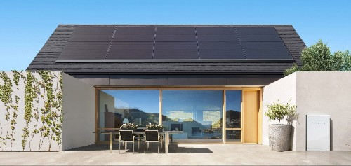 Tesla goes all-in with new solar rental product, now removes system at no cost