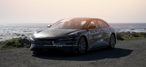 Lucid releases video of impressive 400-mile, real-world range test in Air EV - Electrek