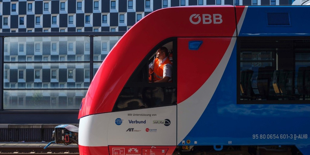 EGEB: World's first hydrogen fuel cell train is approved in Austria - Electrek