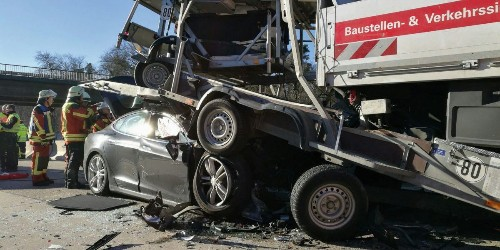 Tesla Model S driver walks away from crash with a truck at 'tremendous speed' - Electrek