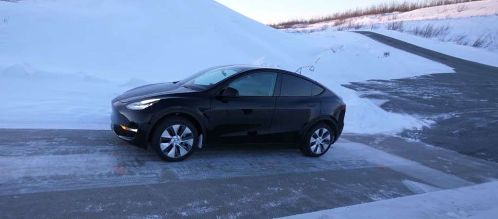 Tesla gives look into Model Y's impressive durability test in cold weather - Electrek
