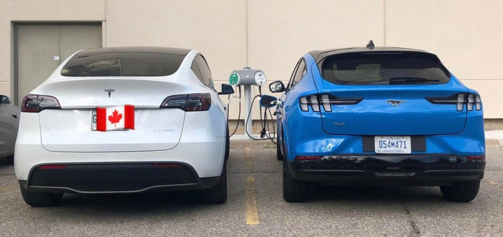 First picture of Tesla Model Y and Ford Mustang Mach-E side by side - Electrek