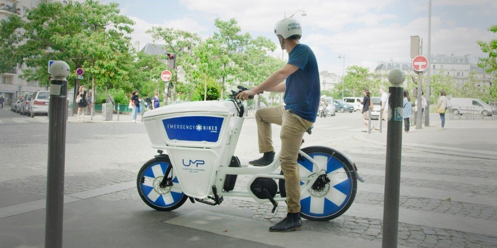 Watch this electric bicycle ambulance in action flying through thick traffic