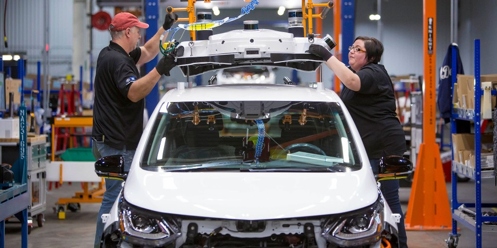 GM, Ford, UAW confirm May 18 as the date to re-open plants - Electrek