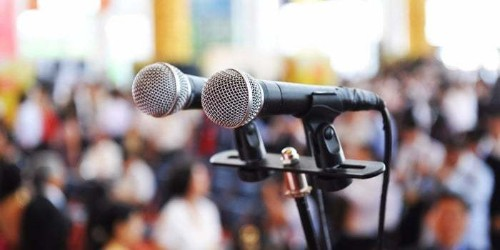 How to Effectively Market Yourself as a Speaker