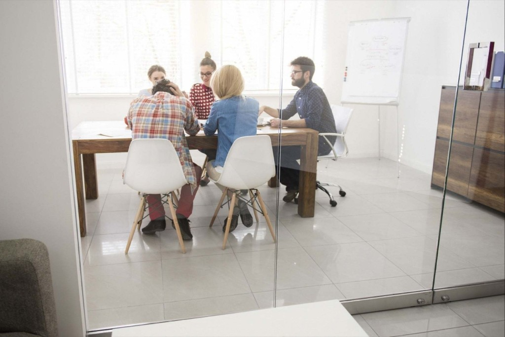 Accelerator vs. Incubator: Which Is Right for You?